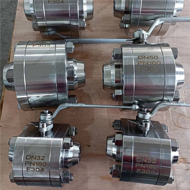 Forged Steel Ball Valve, DN32 PN160, F304 Body, F304 Ball, BW ends